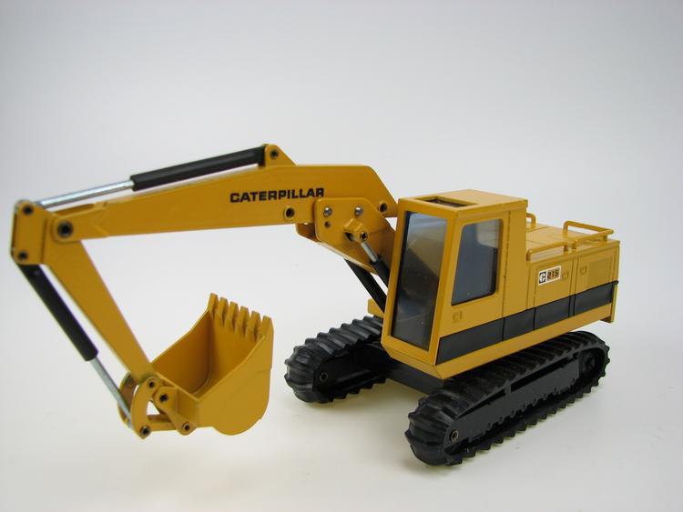 CAT 215 1.v