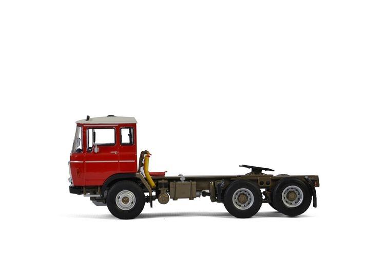 DAF 2600 6X2 Tag Axle Premium Line