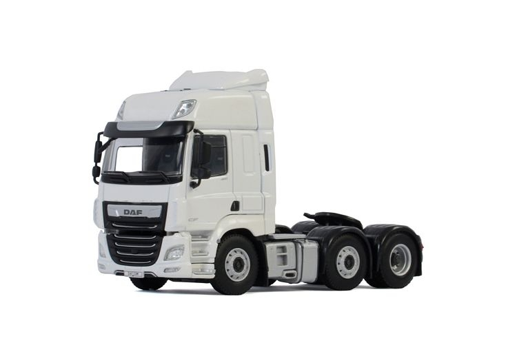 DAF CF Space Cab MY2017  White Line