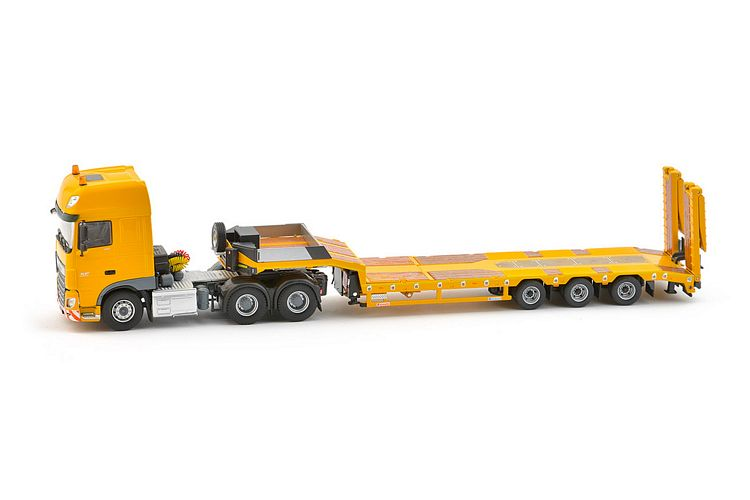 DAF SSC Euro6 semi low loader Yellow Series