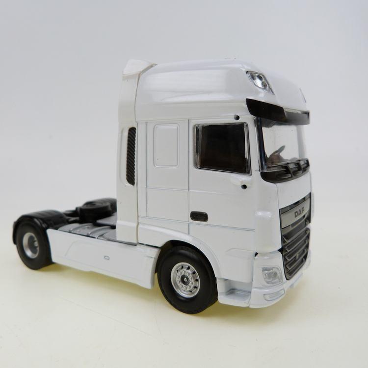 DAF XF Euro 6 SSC 4x2 white