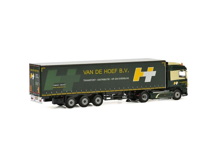 DAF XF SC MY2017  Curtainside Trailer  Van de Hoef B.V.