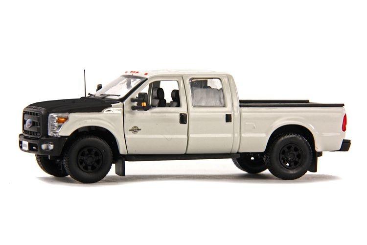 Ford F250 XLT Cabin Crew 6 Bed white black