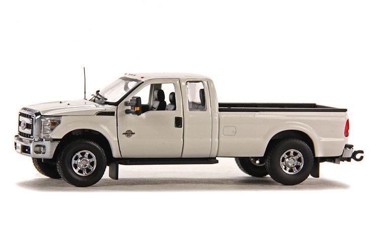 Ford F250 XLT Cabin Crew 6 Bed white chrom