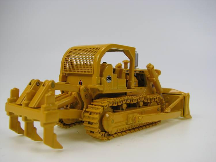 First Gear International TD-25 Crawler Dozer w// Ripper 1//87 FG 80-0303 Yellow