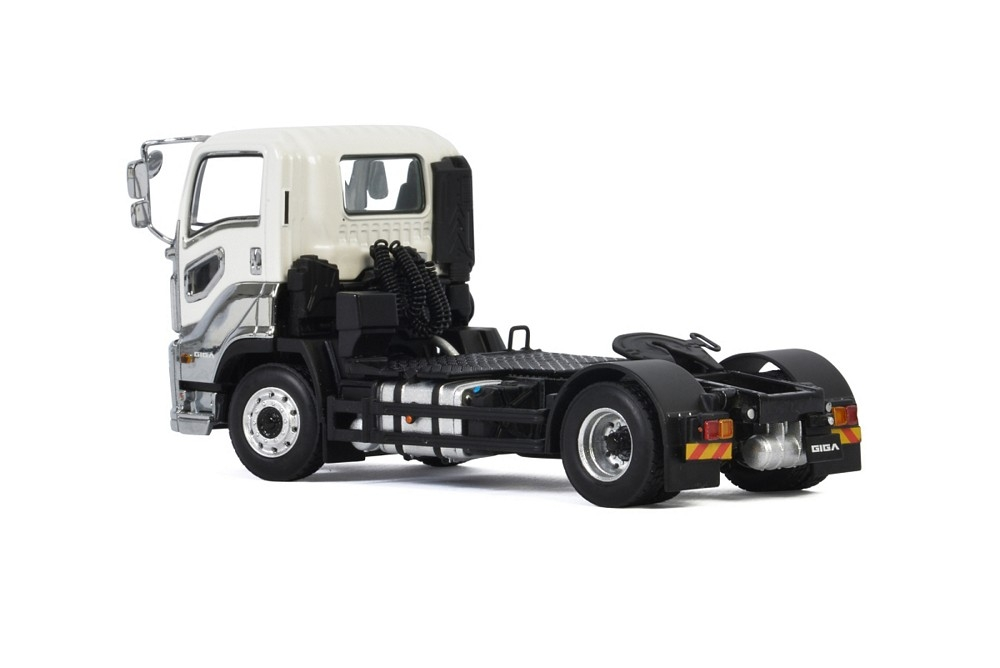 ISUZU Giga Short Cab 4x2