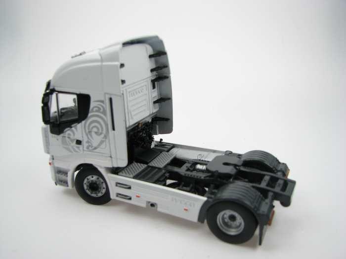 Iveco Stralis 560 E 2achs weiß
