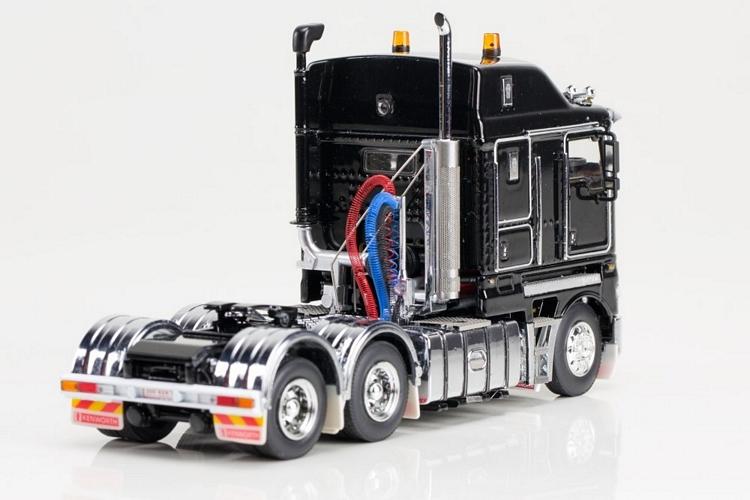 Kenworth K200 schwarz