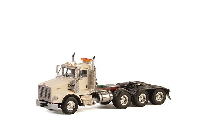 Kenworth T800 8X4 white
