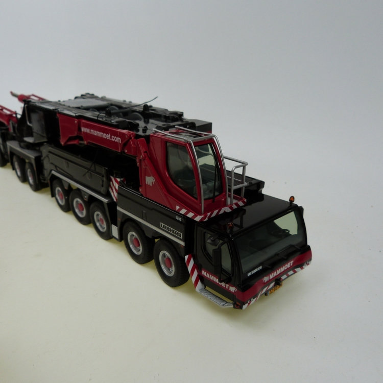 Liebherr LTM 11200 + Masttransporter + JIB Mammoet