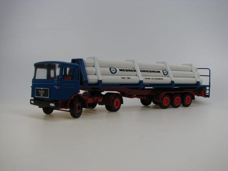MAN blau  Zylinder gas weiß  Messer Griesheim