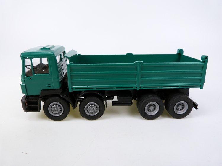 MAN F2000 4 axle  Kipper grün