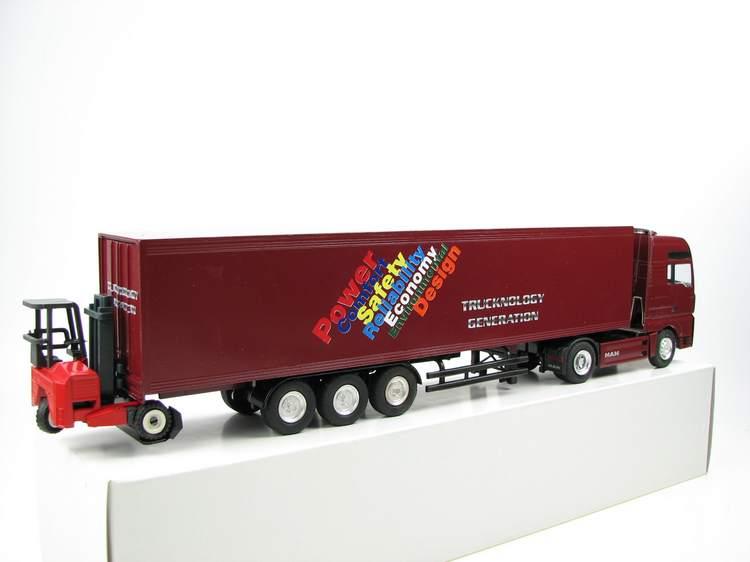 MAN TG A XXL Trucknology Generation  mit Mitnehmstapler