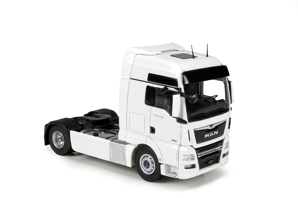 MAN TGX XXL 4x2 white black