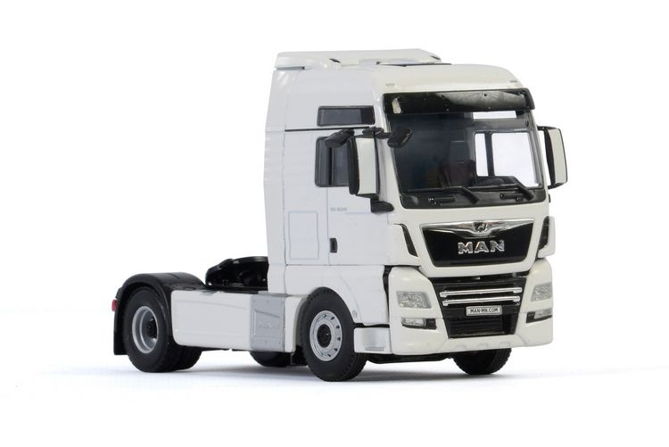 MAN TGX XXL Euro 6C Facelift 4X2 White Line