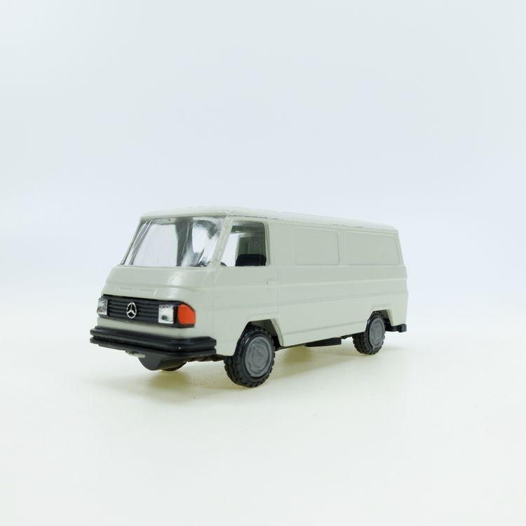 MB 170 white