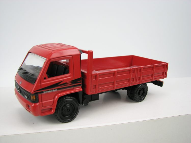 MB 800 Pritsche rot