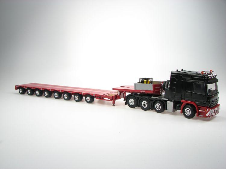 MB Actros schwarz LH 8x4 Titan mit 8achs Tieflader Nooteboom