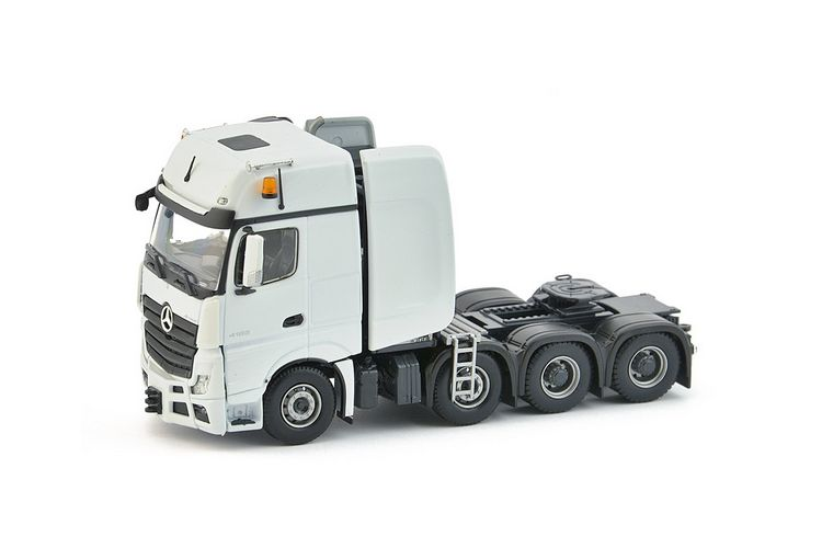 MB Actros2 Gigaspace 8x4 White Series