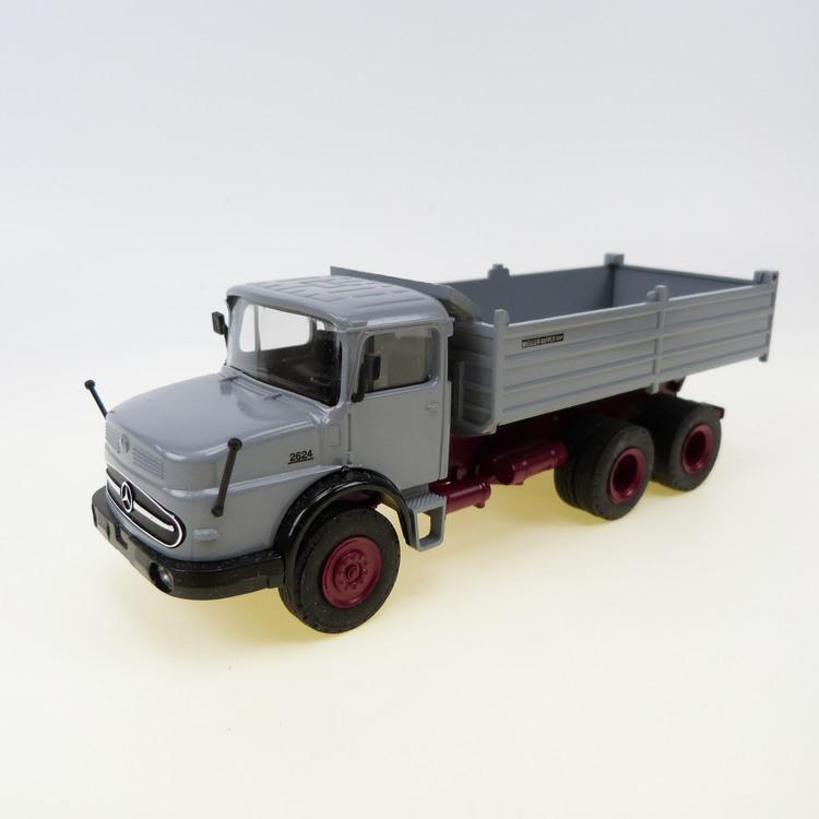MB LAK 2624 / 6x6 grau