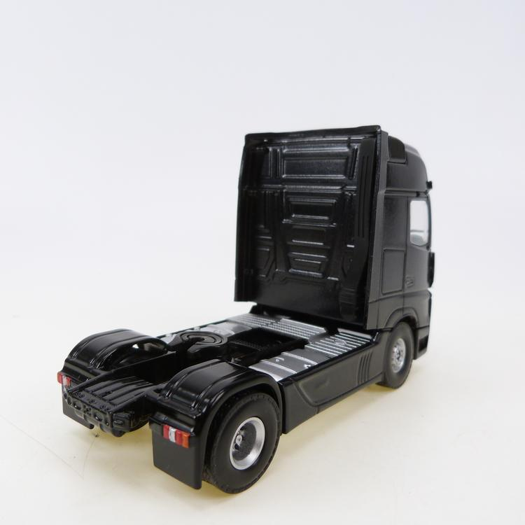 MB MP4 Gigaspace  metallic black