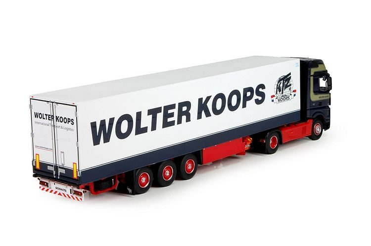 Mercedes Actros MP4 Gigaspace Wolter Koops