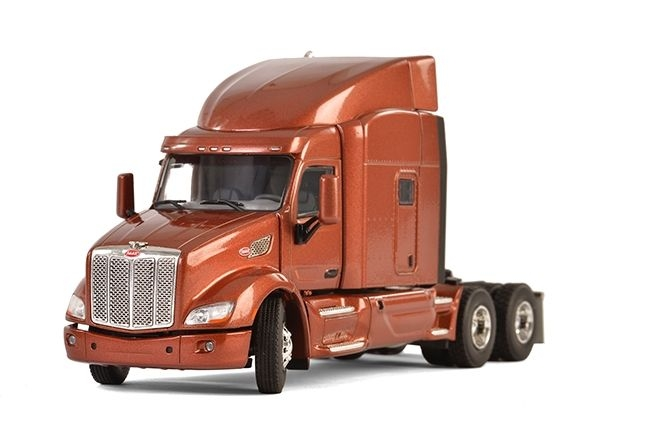 Peterbilt 579 6x4 brown metallic