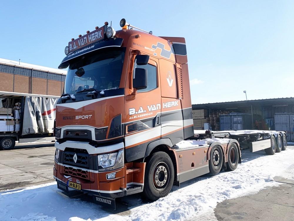 Renault Trucks T High  Container Trailer  BA van Herk