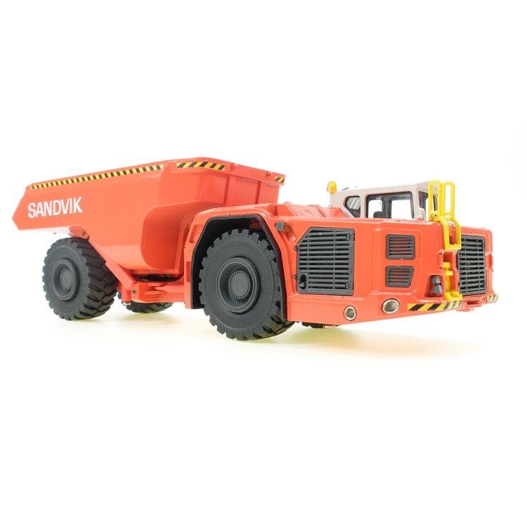Sandvik TH663 Dumper