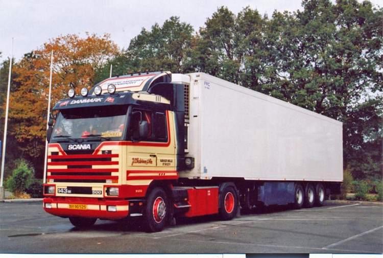 Scania 3-serie Streamline mit Kühlauflieger Pedersen J O