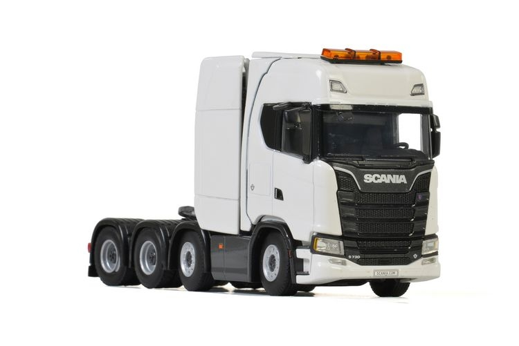 Scania S Highline  CS20H 8x4 white line