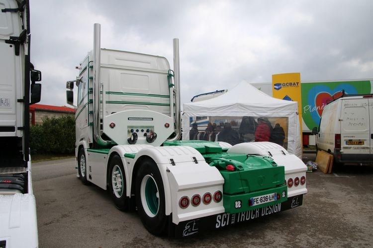 Scania S Normal CS20N 6X2 Twinsteer  S. Bouzigon