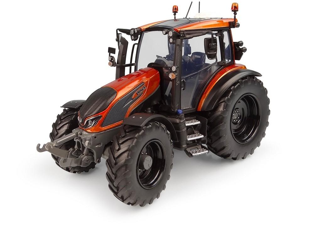 Valtra G 135 Unlimited  Orange