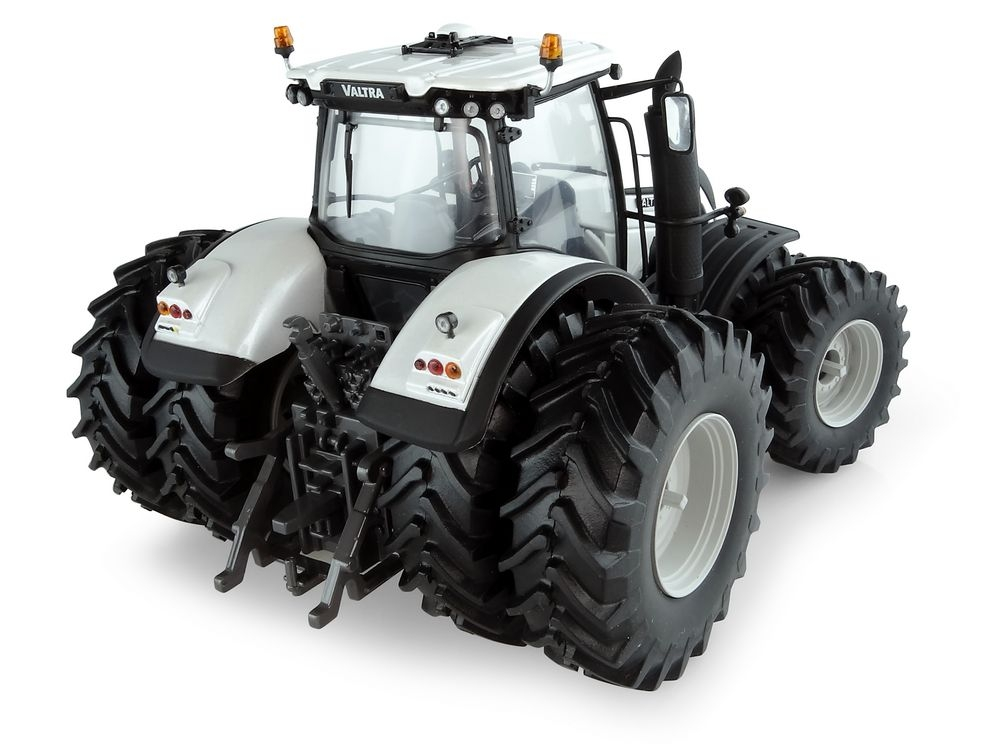 Valtra S394  dual wheels