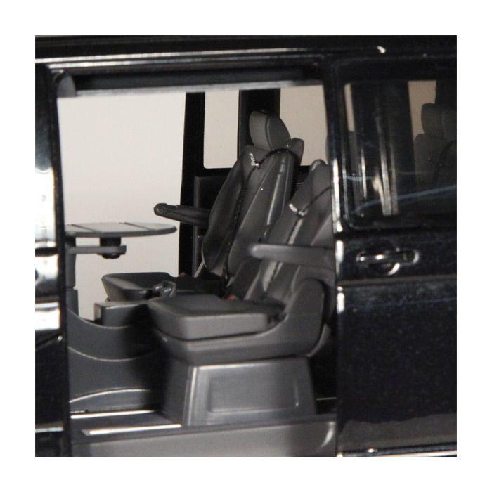 Volkswagen T6 Multivan Highline Schwarz 1-18