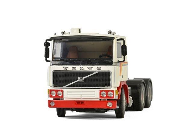 Volvo F12 6x2 WSI Premium weiss