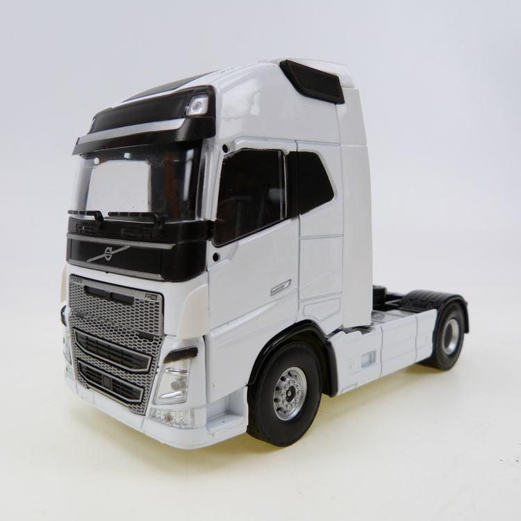 Volvo FH Globe. XL Euro 6 4x2 white