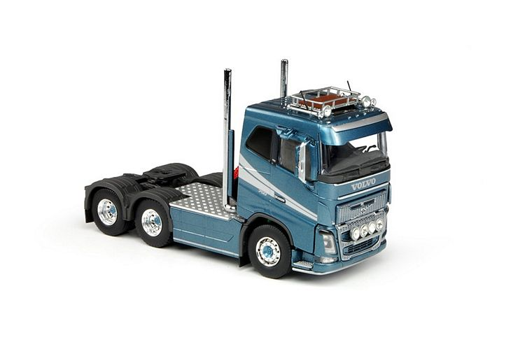 Volvo FH04 6x4 T.B.P.