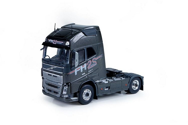 Volvo FH04 Globetrotter 4x2  25 Years grey