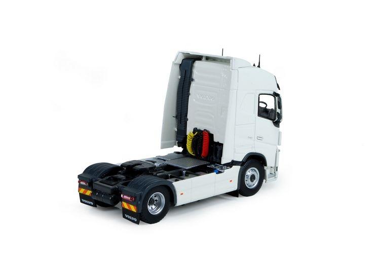 Volvo FH04 Globetrotter 4x2 RHD
