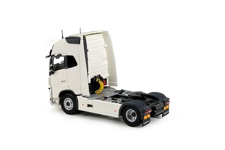 Volvo FH04 Globetrotter XL 4x2 RHD