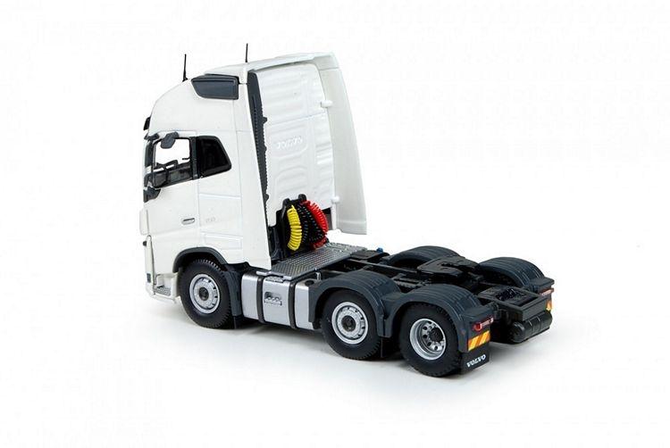 Volvo FH04 Globetrotter XL 6x2 RHD