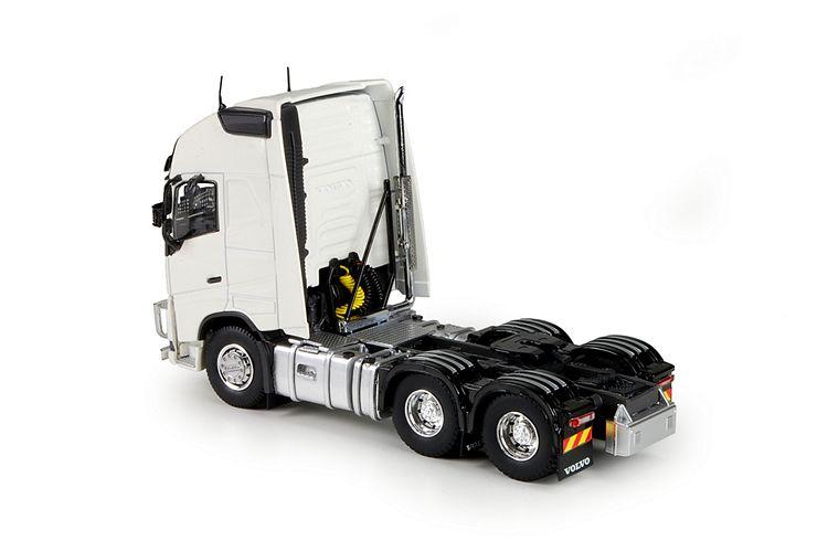 Volvo FH04 Globetrotter XL 6x4 RHD