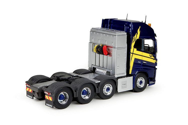 Volvo FH04 Globetrotter XL 8x4 RHD