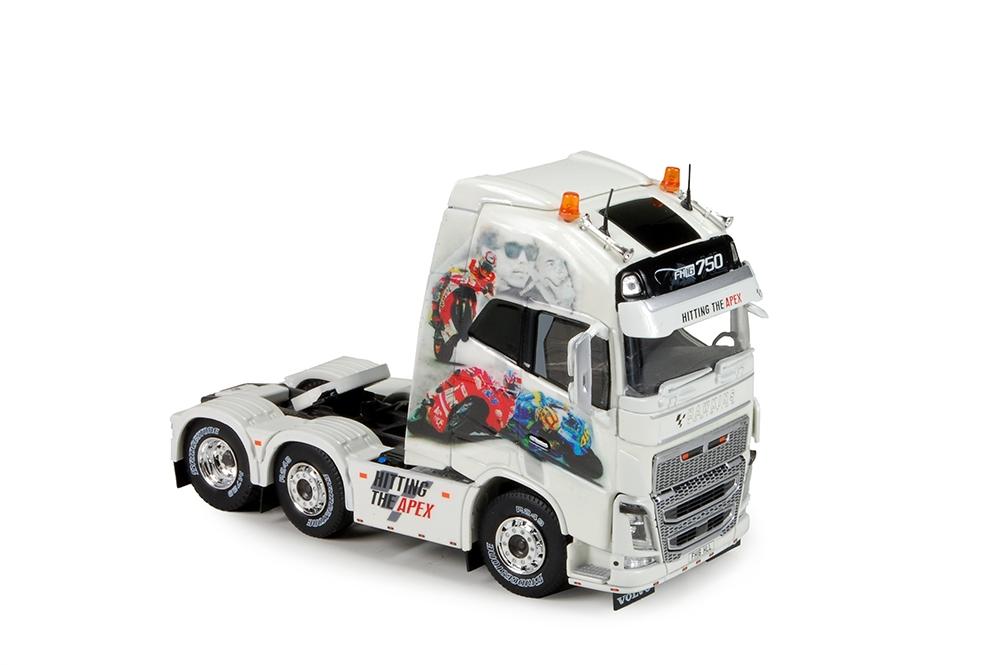 Volvo FH04 Globetrotter XL Hawkins Logistics