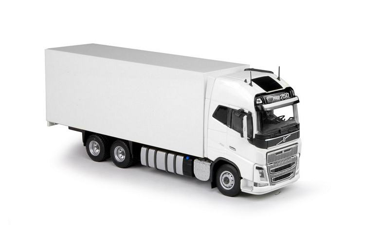 Volvo FH04 Globetrotter XL white