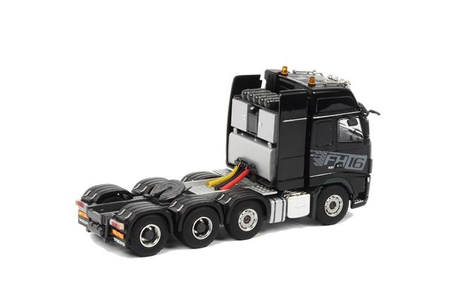 VOLVO FH16-700 8x4 FH3 Globetrotter XL