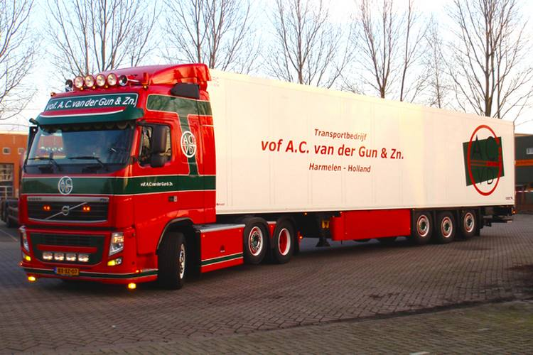 VOLVO FH3 Globetrotter Reefer Trailer Thermoking 3 axle A C van
